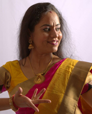 Priya Manoj-Indian classical dance teacher in mussafah, Mohiniyattam dancer